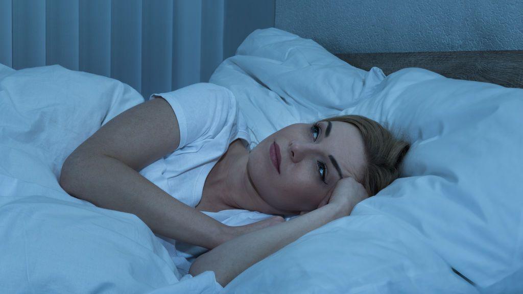 El sencillo truco que te ayudará a conciliar el sueño en menos de un minuto