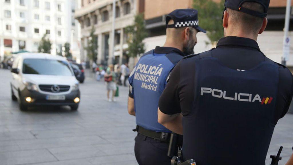 Un hombre asesta tres puñaladas a su pareja delante de sus hijos en Madrid