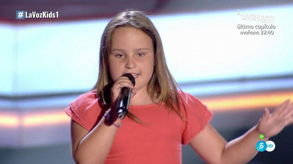 La pequeña Camila se hace grande en el escenario y brilla cantando 'Rolling in the Deep'