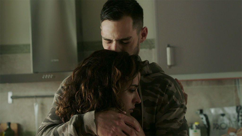 Manuel descubre que José, Lucía y Samuel van a pasar a ser testigos protegidos y no los volverá a ver