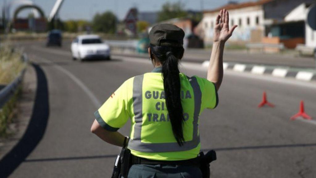 La Guardia Civil para dos veces en la misma tarde a un conductor sin carnet