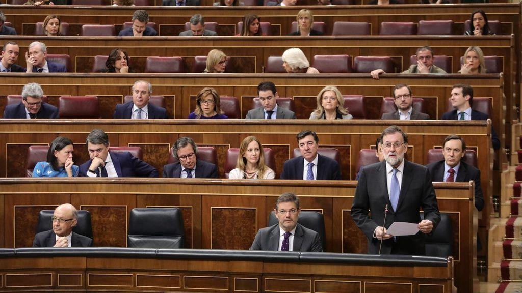 """Rajoy confirma su """"intención de presentar"""" en primavera los Presupuestos de 2018 para ser aprobados en junio"""