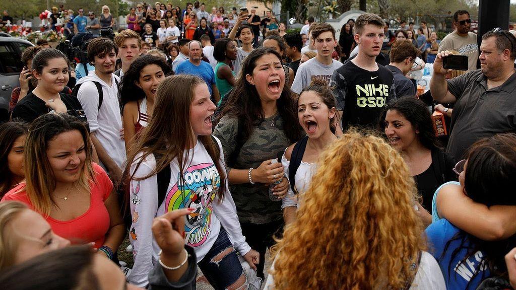Miles de estudiantes plantan cara a Trump y piden 'ya' una solución contra las armas
