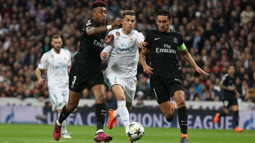 Presnel Kimpembe, Cristiano Ronaldo y Marquinhos, en el encuentro de ida de los octavos de final de la Champions League 2017/2018 entre Real Madrid y Paris Saint-Germain.