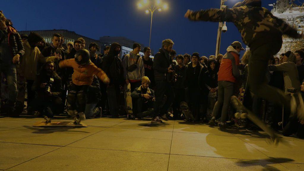 """La voz de cientos de skaters en Madrid: """"Quieren prohibir llevar a tu hijo de la mano con un monopatín"""""""