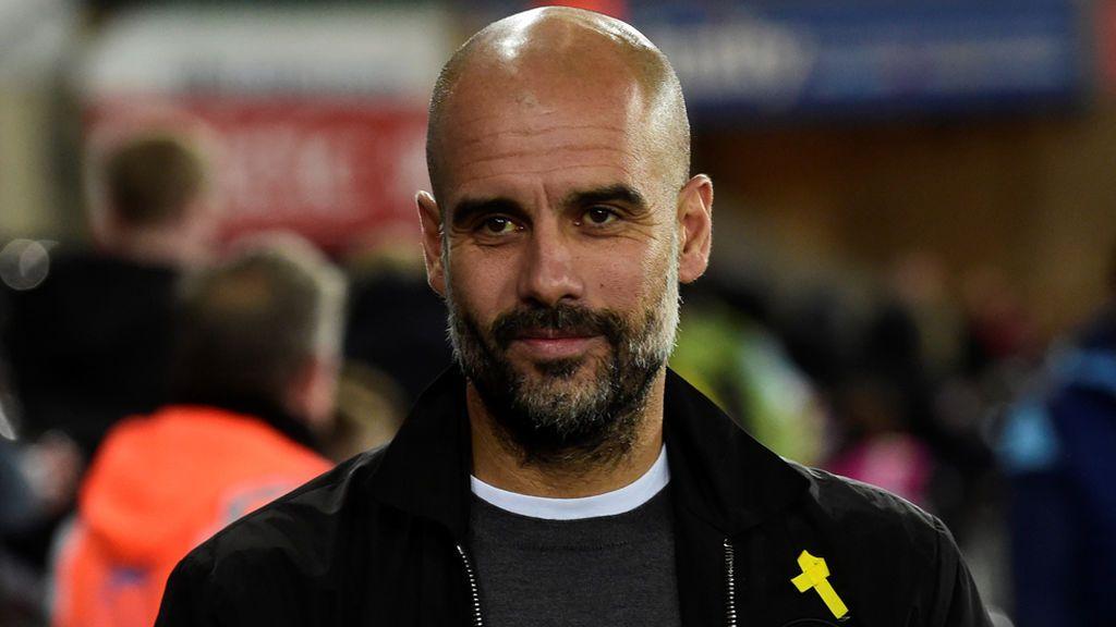 Pep Guardiola, sancionado por la Federación Inglesa de Fútbol por lucir el lazo amarillo