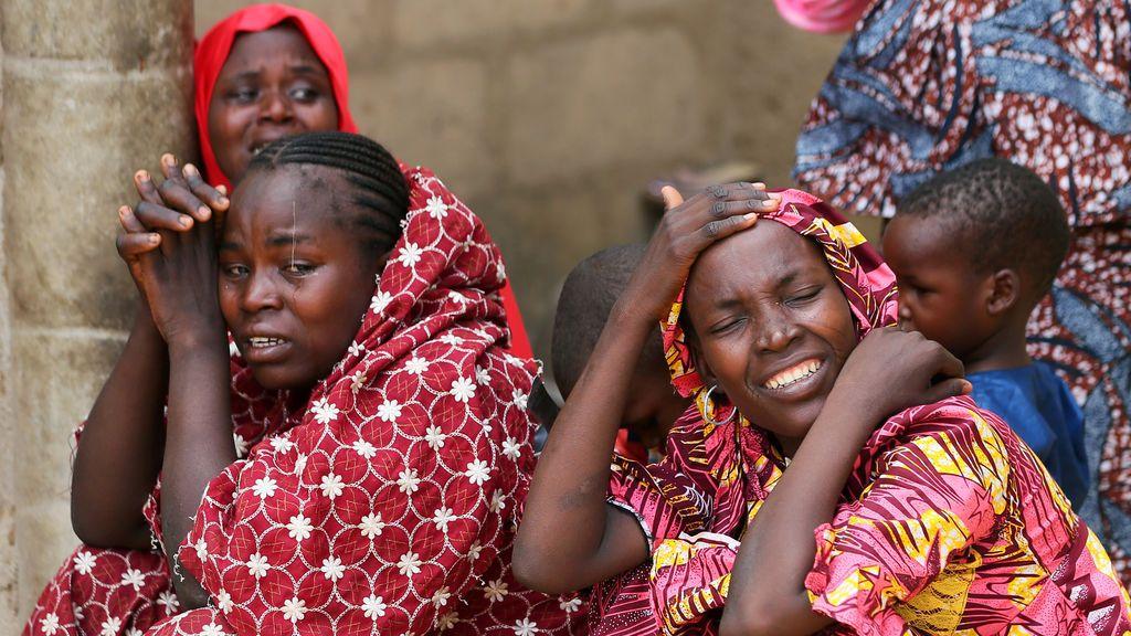 Familiares de las niñas secuestradas por Boko Haram en Dapchi
