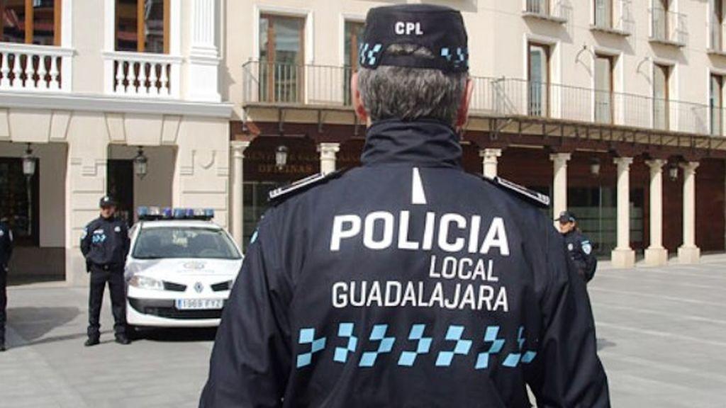 Detenido por arrollar a una mujer que le recriminó haber aparcado en una plaza de minusválidos