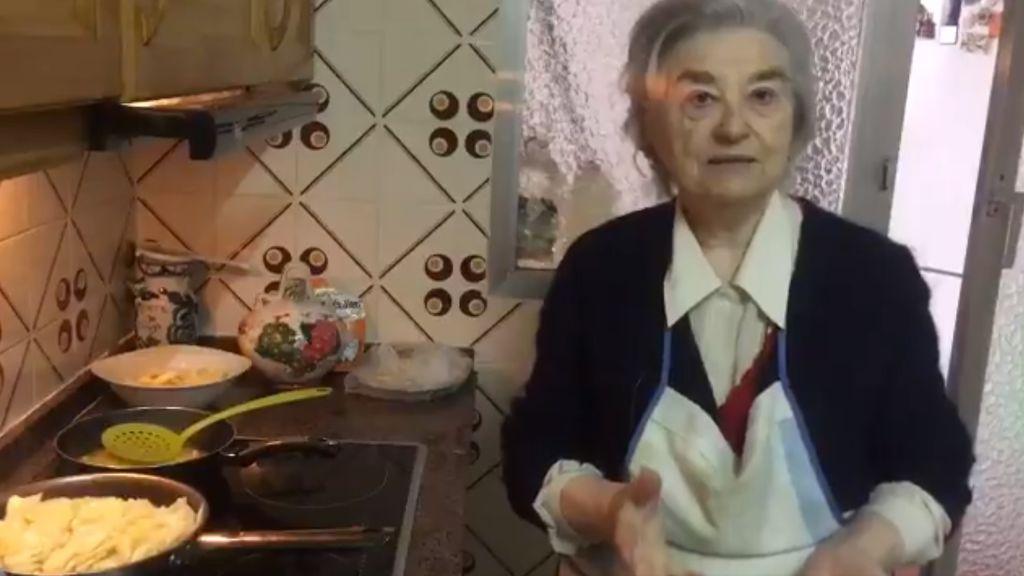 Ana, la abuela feminista de 79 años que llama a la huelga el 8 de marzo