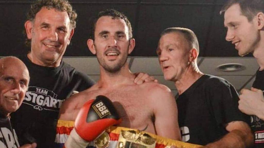 Un boxeador británico muere minutos después de un durísimo combate con un rival