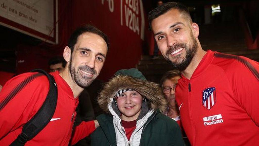 El Atlético de Madrid cumple el sueño de José Miguel, un niño enfermo de leucemia
