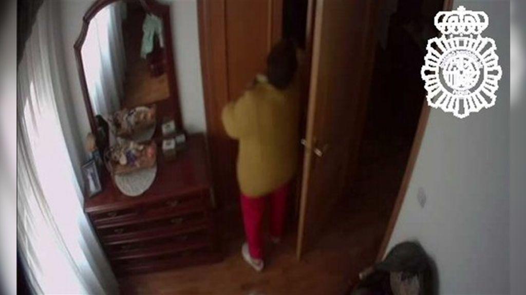 Detienen a una empleada del hogar en Burgos por robar 100.000 euros en 10 años en la misma casa