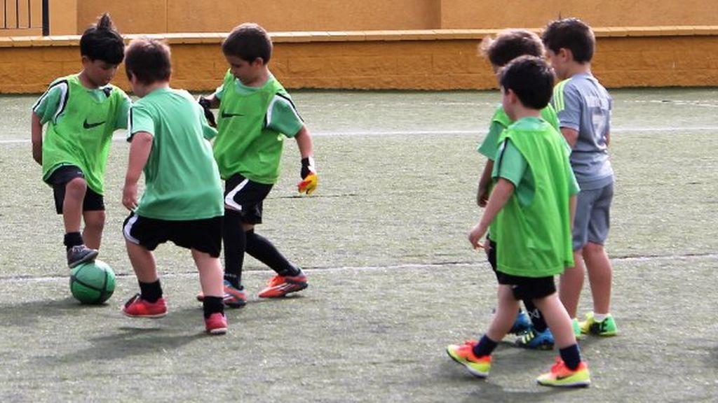 Fútbol Sala, fútbol 7 o fútbol 8: ¿Cuál es la mejor opción para los niños?