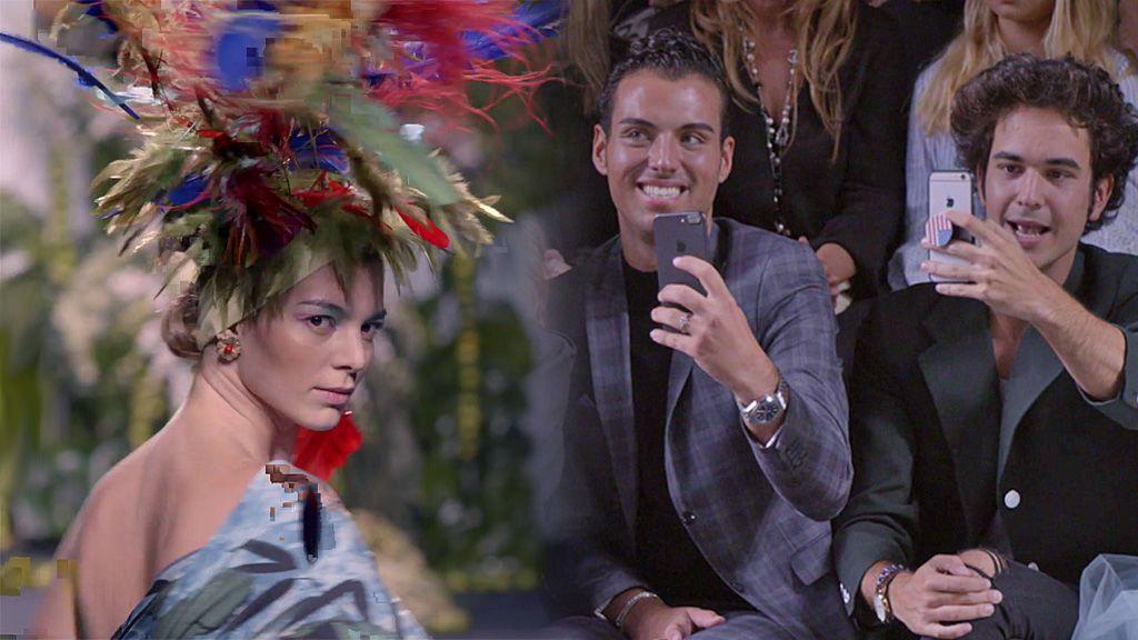 ¡Momentazo! Cristina Duato desfila en Cibeles para Francis Montesinos con las alpargatas de Javi