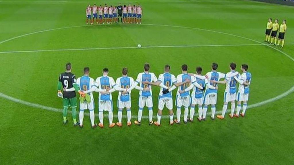 'Pichu' Cuéllar homenajea a Quini luciendo el dorsal '9' antes del Atlético-Leganés