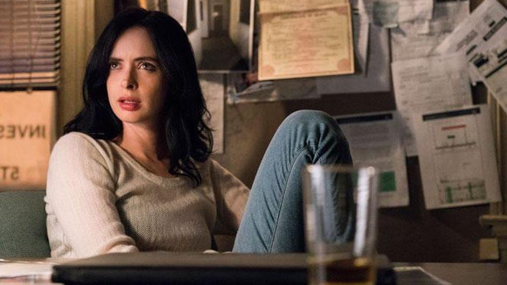 """'Jessica Jones', una superheroína que """"solo intenta sobrevivir"""" en el mundo"""