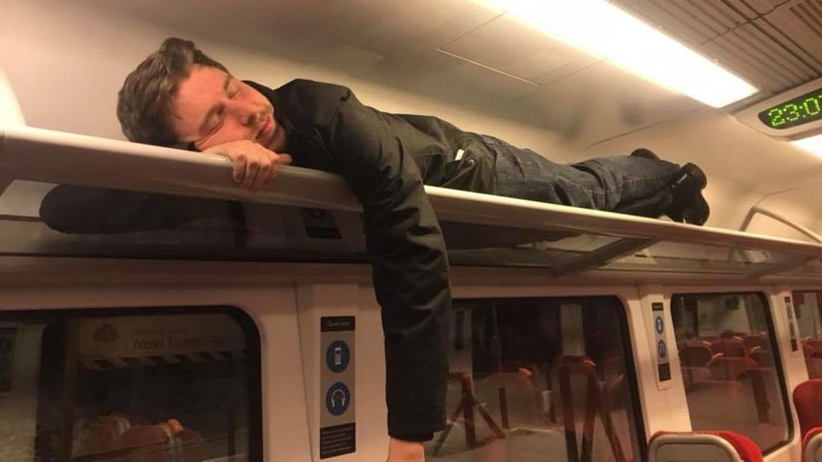 Crush 💖 Se quedaron atrapados 10 horas en un tren y montaron una fiesta