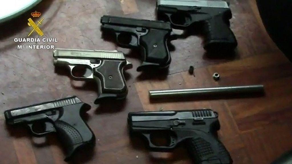 Detenido en Logroño un hombre que tenía un arsenal de armas ilegales en su vivienda