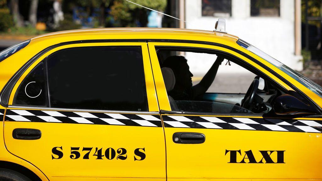 Un joven indica un destino equivocado al taxi y le toca pagar más de 1.600 dólares