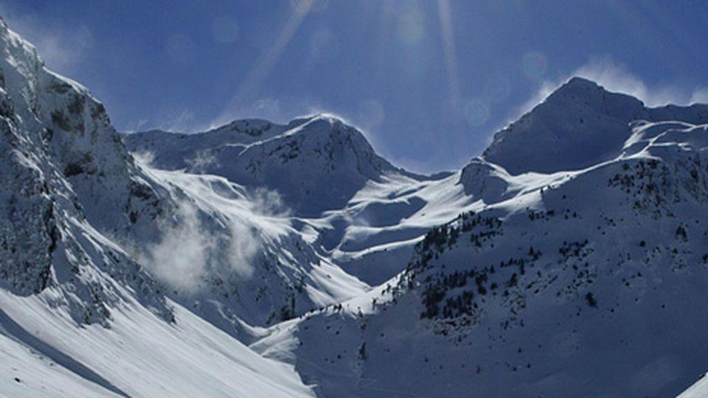 Muere un montañero español y otro resulta herido de gravedad por un alud en los Pirineos franceses