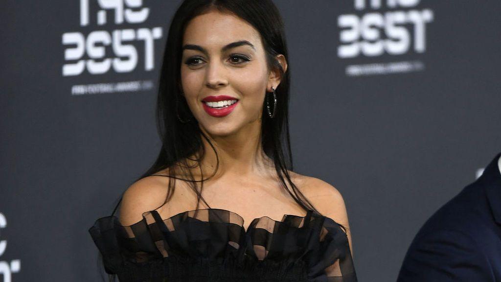 Georgina Rodríguez corta por lo sano y se muestra feliz con su nuevo y sorprendente look