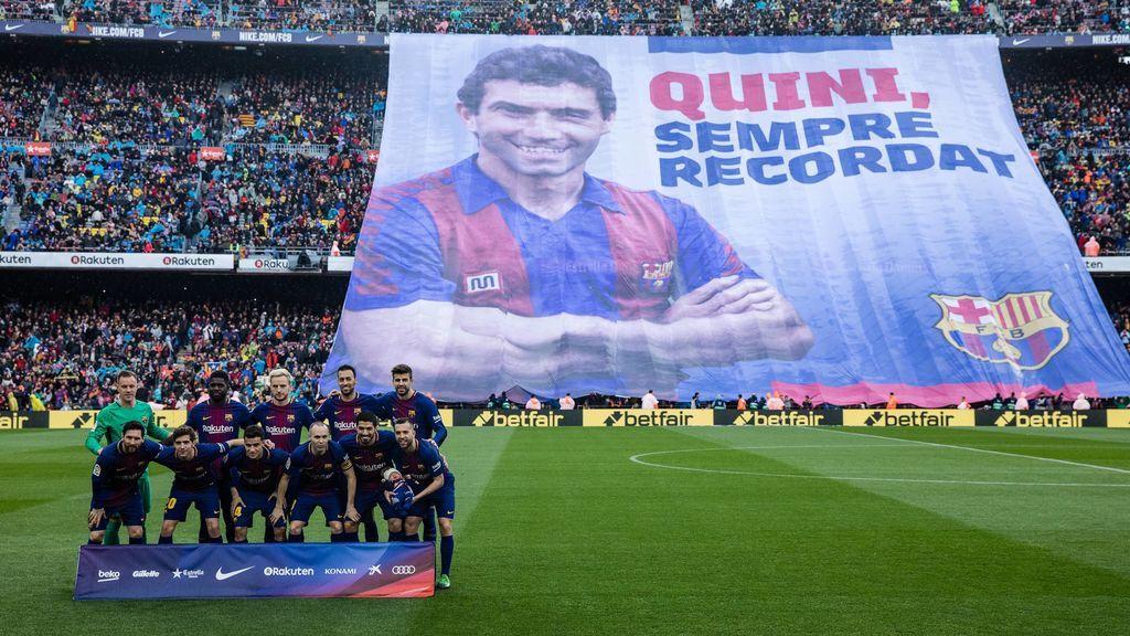El emotivo homenaje del Barcelona a Quini en el Camp Nou