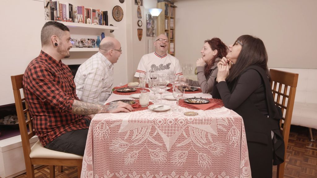 Un heavy vegano y la mujer que susurraba a los gorrinos, esta semana en 'Ven a cenar conmigo'