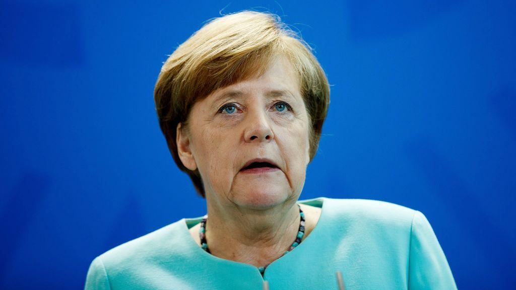 """Merkel aplaude el """"claro"""" resultado del referéndum para trabajar con el SPD"""
