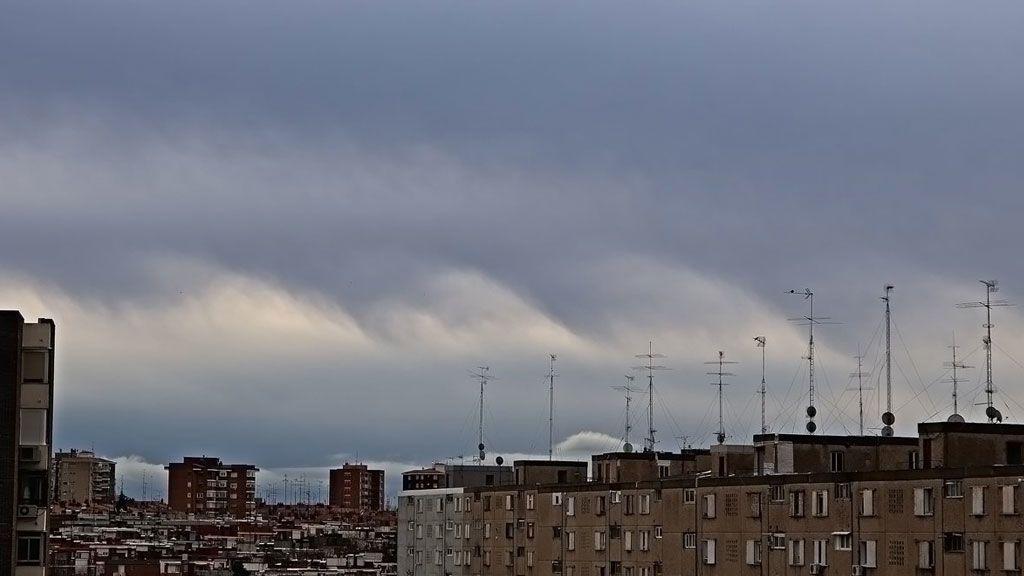 Las nubes fluctus: olas en el cielo de Madrid