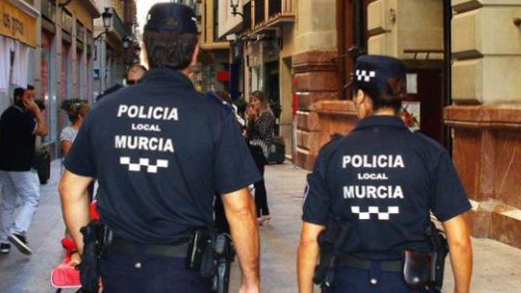 Detenido en Murcia tras golpear a su pareja y arrastrarla del pelo por la calle por estar con un amigo