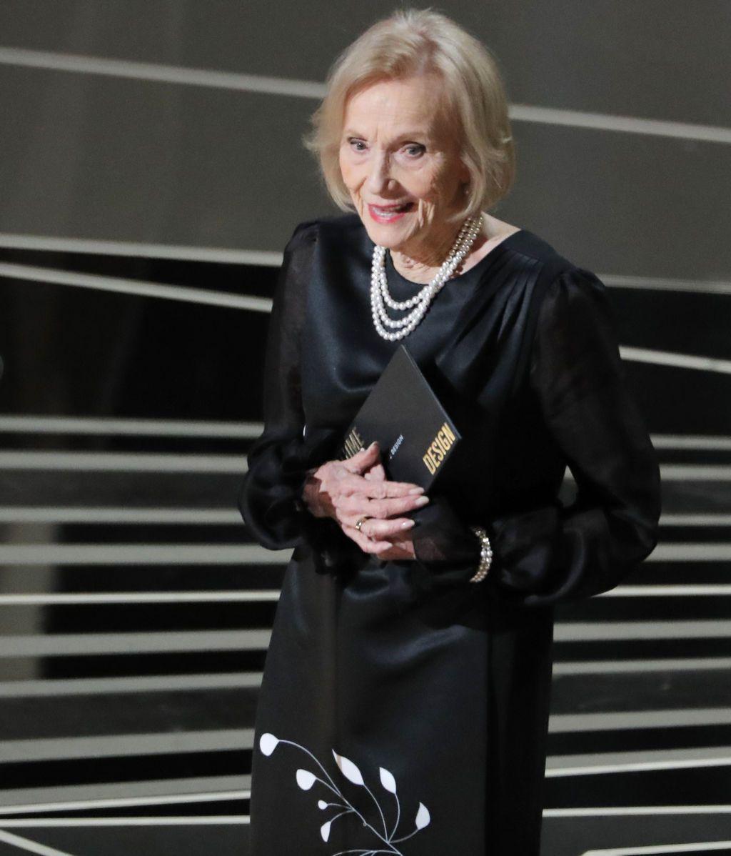 Eva Marie Saint ha presentado el Oscar al mejor diseño de vestuario