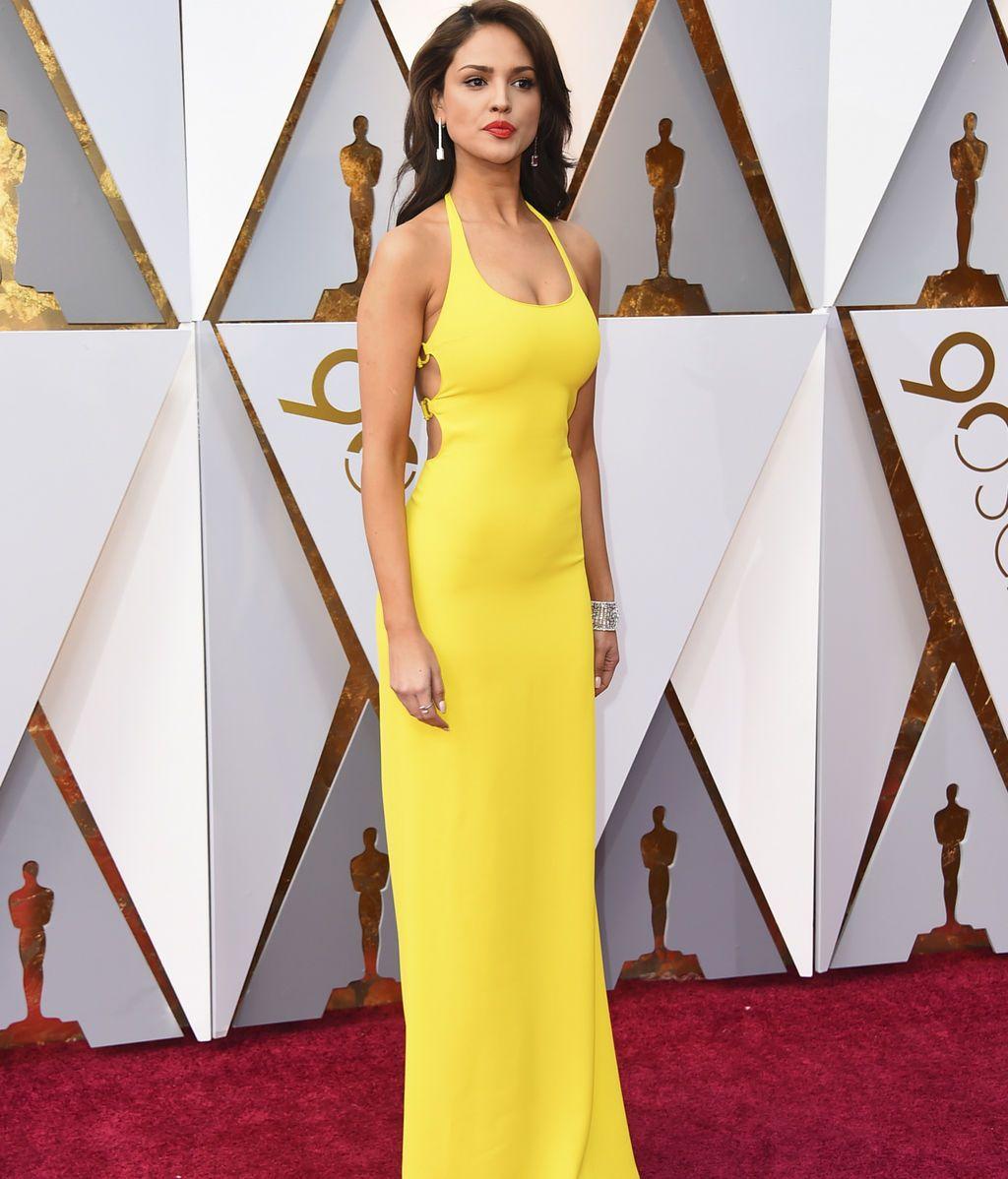Eiza Gonzalez con vestido de Ralph Lauren