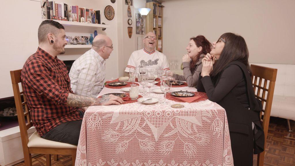 Los concursantes de 'Ven a cenar conmigo' comprueban en sus propias carnes las leyes de la física.