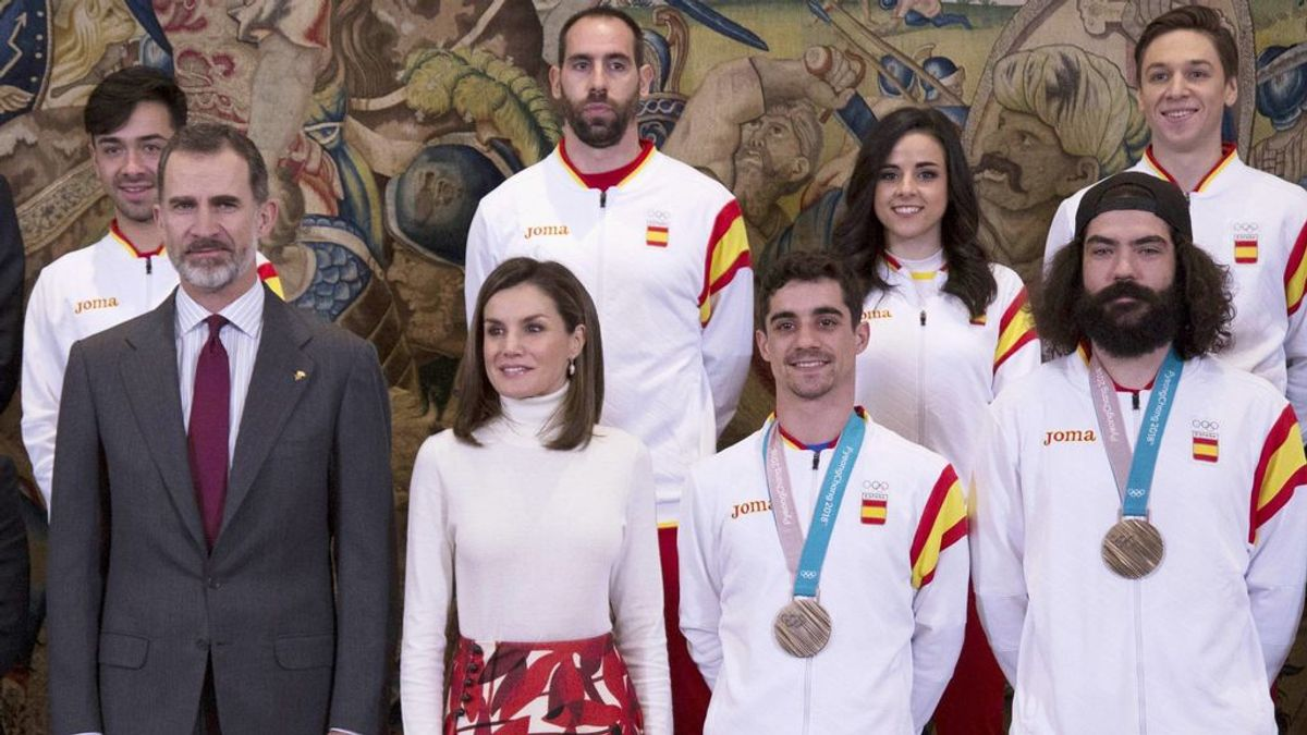 ¿Casualidad o guiño a los Olímpicos? Doña Letizia se viste igual que ellos en la recepción