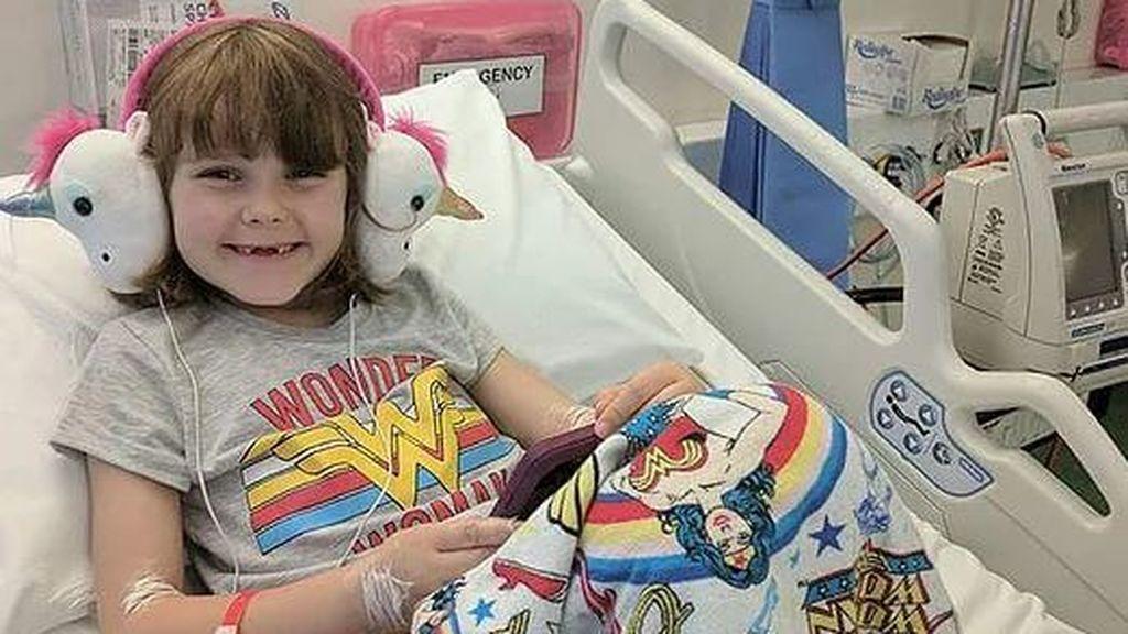 Una niña de seis años se somete a una cirugía robótica para salvar su vida