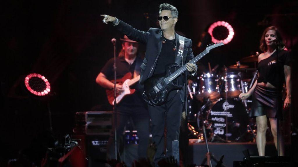 Alejandro Sanz, en el concierto 'Más es más', celebrado en el estadio Vicente Calderón.