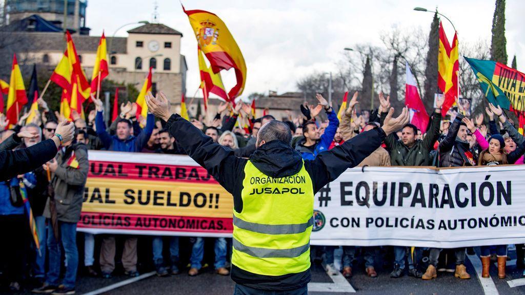 Sindicatos policiales aceptan la propuesta de Interior sobre equiparación salarial