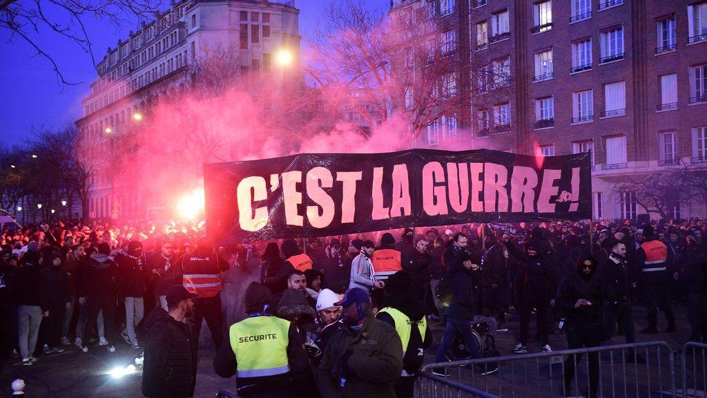 Los ultras del PSG intentaron molestar al Real Madrid en el hotel: así fue una noche de bengalas y petardos en París