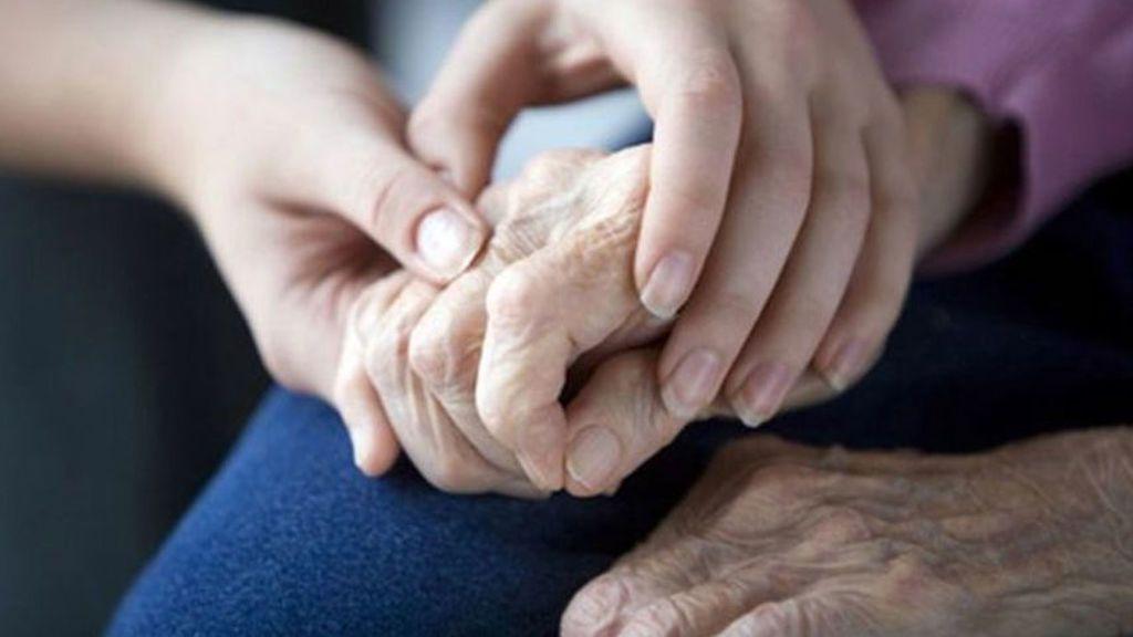 Con 83 años pide comida en un convento tras pasar tres días sin comer porque no le alcanza la pensión