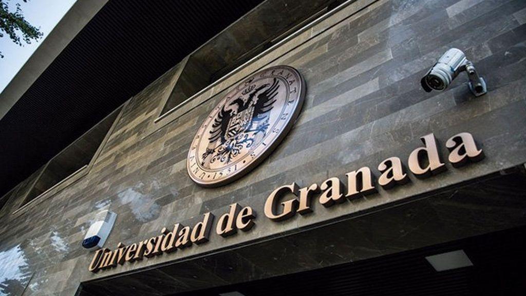 Noventa días sin empleo y sueldo para un profesor por acoso sexual a una alumna en Granada