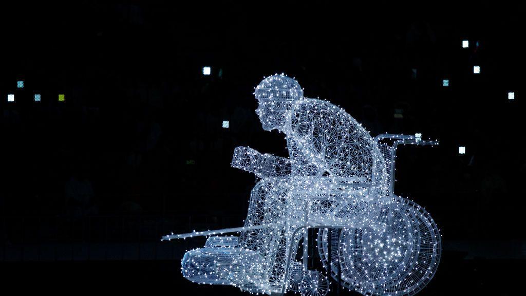 Escultura de luz durante la Ceremonia de Inauguración de los Juegos Paralímpicos de Invierno Pyeongchang 2018 en el Estadio Olímpico de Pyeongchang, Corea del Sur