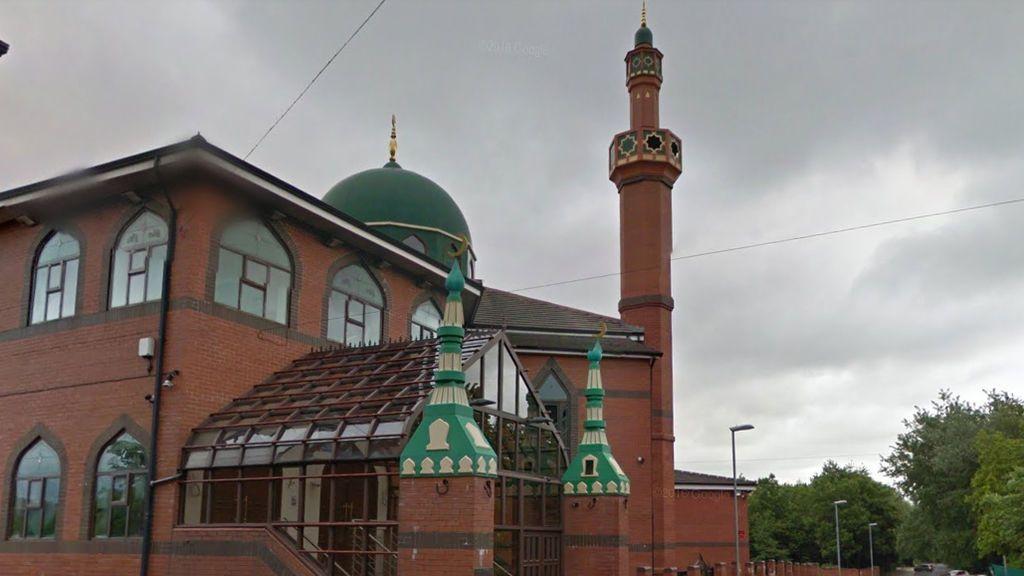 Muere un joven tras ser apuñalado en Manchester mientras volvía de la mezquita
