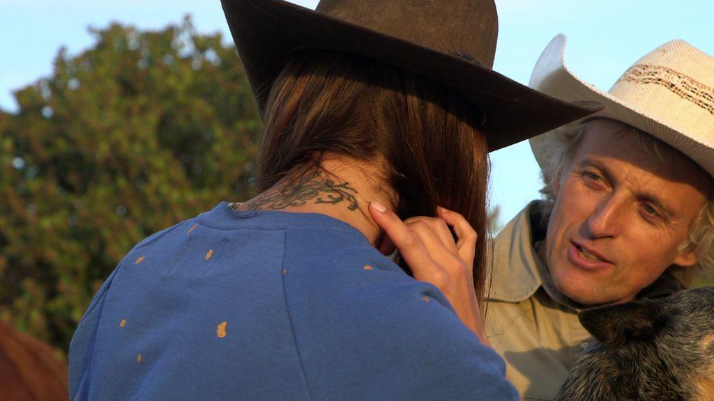 """Lara Álvarez muestra su tatuaje más especial en honor a su abuela: """"Tenía una conexión muy especial con ella"""""""