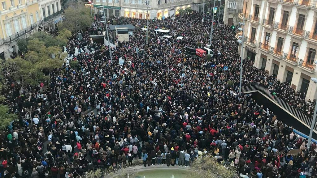 Unas 12.000 personas se concentran en memoria de Gabriel Cruz en Almería