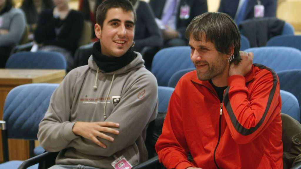 España tendrá que indemnizar a los dos jóvenes catalanes que quemaron fotos del Rey