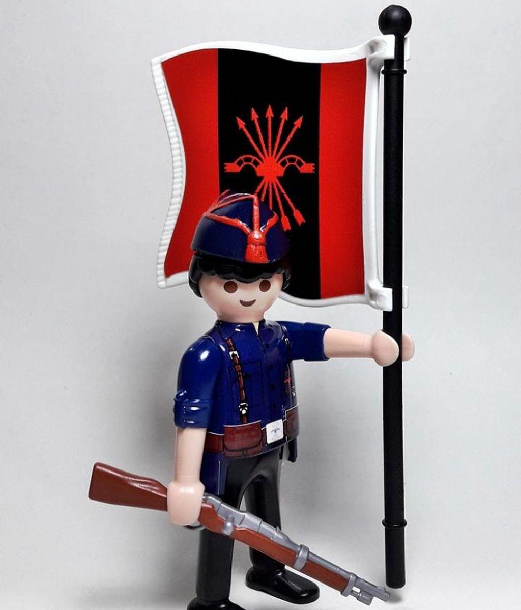 No te quedes sin jugar a salvar España con tu Playmobil falangista