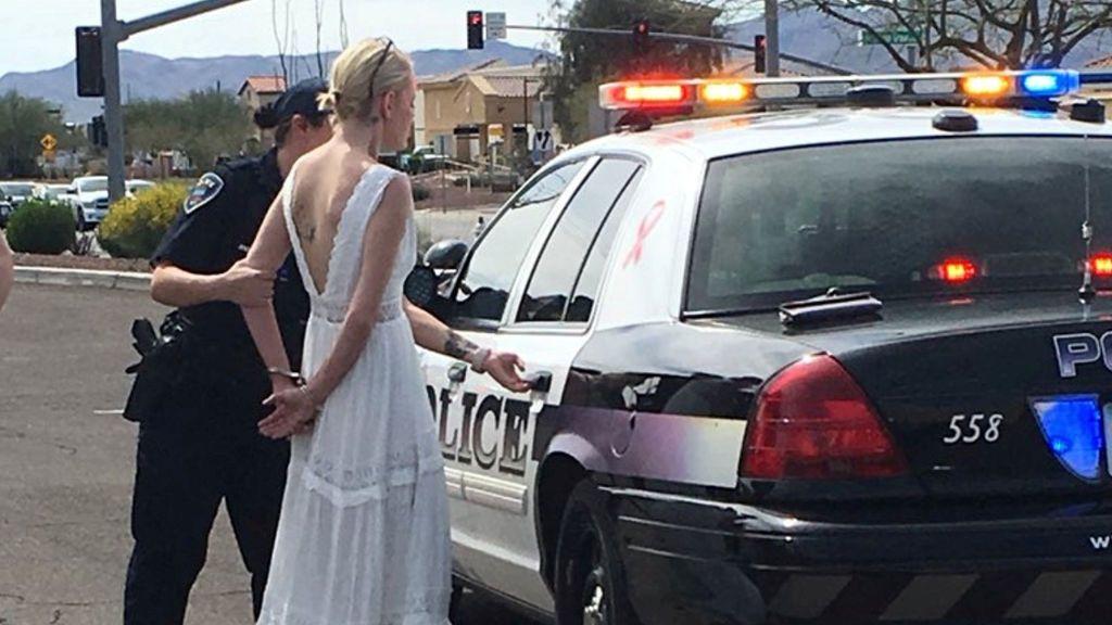 Detienen a una novia camino de su boda por conducir bajo los efectos del alcohol y las drogas