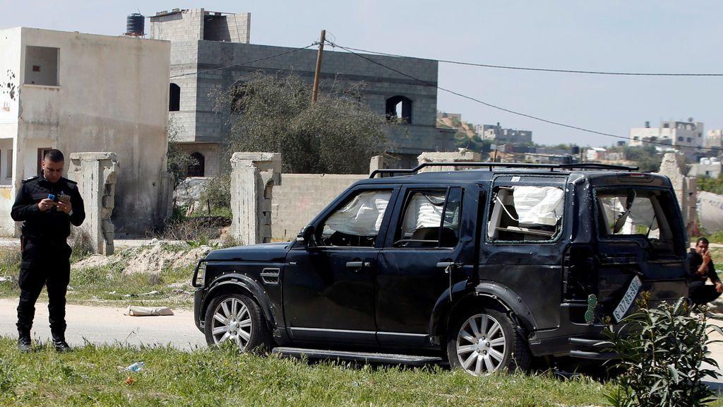 Vehículo bombardeado del ministro palestino