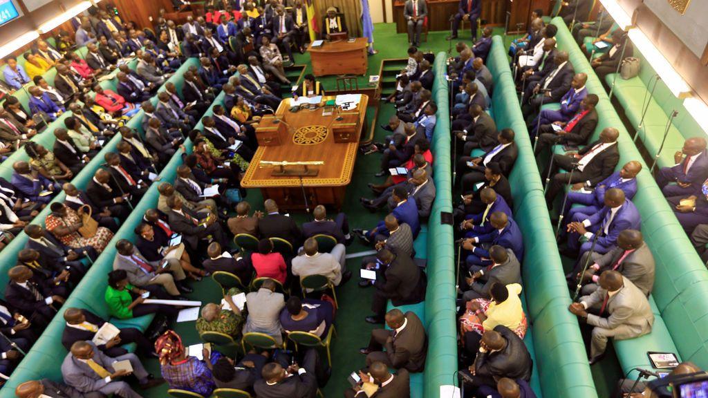 """Un diputado ugandés recomienda a los hombres pegar a sus esposas como """"disciplina"""""""