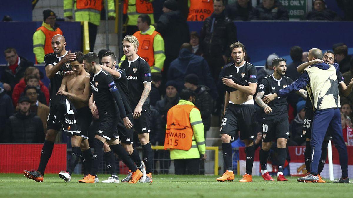 El Sevilla 'trolea' al Betis tras ganar al United y Sergio León les responde